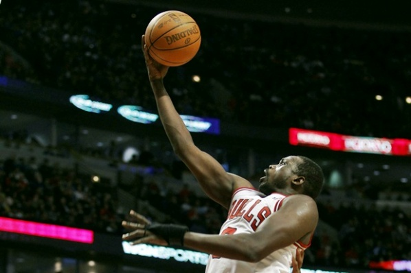 Chicago beat Boston with 26 points of Deng