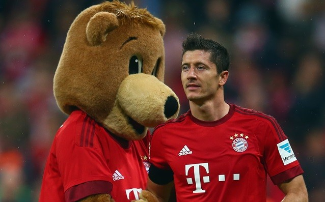 Why Lewandowsi was not a holder against Benfica?