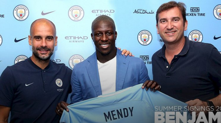Benjamin Mendy has signed a contract with Manchester City